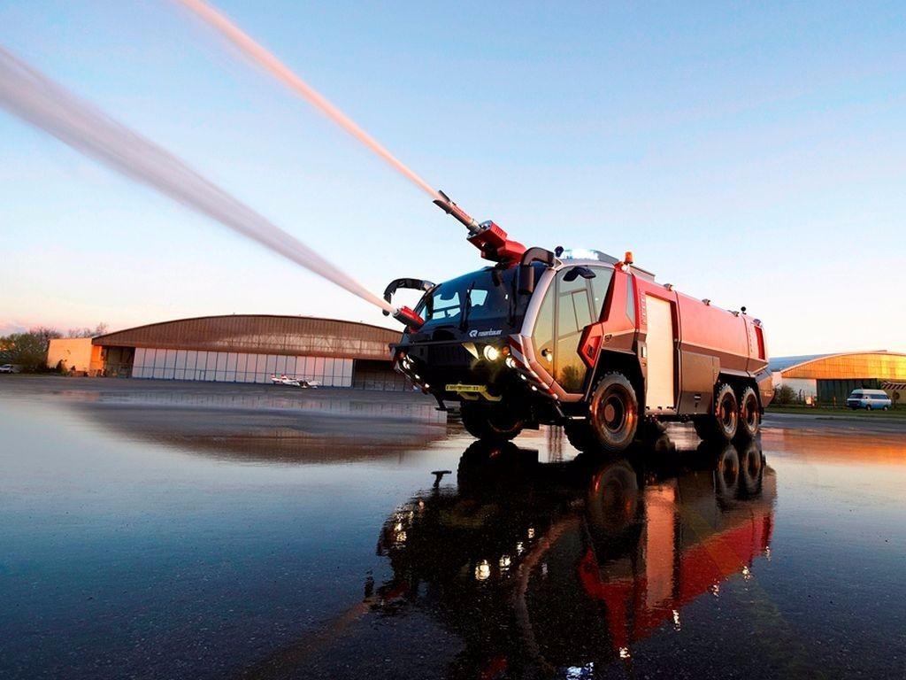 Австрийская «Пантера» — пожарный грузовик невиданной мощи